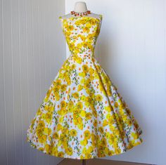 Sunshine-y buttercup vintage party dress. Lovely. #1950s