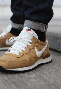 NIKE Internationalist: