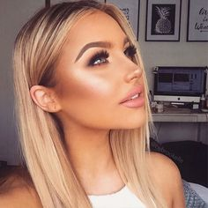 These bronze makeup looks are incredibly beautiful and scream summer like no other. Gather ideas on how to introduce some stunning bronze makeup looks to your makeup routine now. Strobing Makeup, Highlighter Makeup, Blush Makeup, Contouring, Gold Makeup, Contour Makeup, Makeup Tips, Beauty Makeup, Eye Makeup