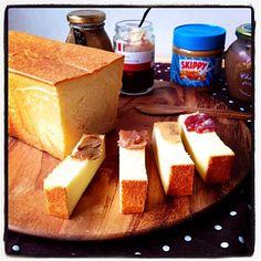 耳までやわやわ角食パン!  これなら耳まで食べてくれるかな(๑◕ˇڡˇ◕๑) その前に…焼きたてパンを色んな味で楽しもうっと♪ マロンクリーム・ピーナッツ・苺ミルク・珈琲クリーム - 206件のもぐもぐ - 〜ミルク食パン〜角食 by ayu☂