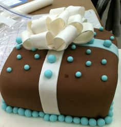 fondant covered and decorated cake