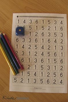 Learn to play with dice + 4 in a row The Effective Pictures We Offer You About Montessori Materials free A quality picture can tell you many things. Math Games, Preschool Activities, Number Games, Montessori Materials, Home Schooling, Kindergarten Math, Kids Education, Math Centers, Kids And Parenting