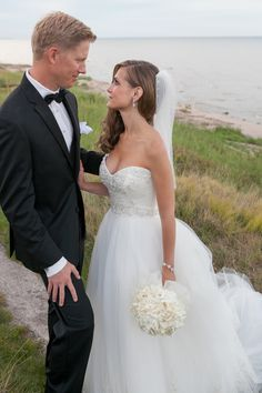 Photography: Heather Cook Elliott Photography - heathercookelliott.com  Read More: http://www.stylemepretty.com/midwest-weddings/2014/03/07/irish-barn-glam-wedding-at-whistling-straits/