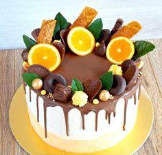 Kliknij i przeczytaj ten artykuł! Cupcakes, Cupcake Cakes, Fresh Fruit Cake, Cake Decorating Piping, Crazy Cakes, Dessert Decoration, Just Cakes, Cake Decorating Techniques, Pastry Cake