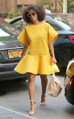 Solange Knowles isn't scared to push the envelope in regards to fashion. Flawless photo-taker Solange Knowles has an exact particular aesthetic, which explains why she's so choosy in re… African Dresses For Women, African Wear, African Fashion Dresses, African Women, Chic Outfits, Spring Outfits, Fashion Outfits, Womens Fashion, Fashion Styles