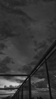 Dark Phone Wallpapers, Dark Wallpaper Iphone, Black Wallpaper, Galaxy Wallpaper, Black Aesthetic Wallpaper, Aesthetic Iphone Wallpaper, Aesthetic Wallpapers, Black And White Picture Wall, Black And White Pictures