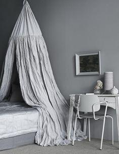 photo Päivi Anita Risstel, styling Anna-Kaisa Melvas / Glorian koti Anna, Blanket, Bed, Home, Style, Swag, Stream Bed, Rug, Blankets