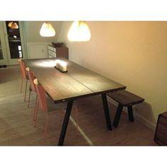 Instagram photo by thegoodwood_dk - Så er vi på #Nørrebro igen. En hyggelig lejlighed - og nu inklusiv et bord og #træbænk fra os #håndværk #møbelsnedker #thegoodwood_dk #plankebord #plankeborde #egetræ #egetræsbord #indretning #træmøbler #mithjem #homesickblog #boligmagasinet #detydre #interior #interiør #bolig #danishdesign #træmøbler #boligindretning #boligmagasinet #scandinaviandesign #bobedre
