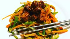 Solomillo teriyaki con verduras al wok. Http://koketo.es Chef Koketo ♫ Handsome Boy Modeling School - The Truth Hecho con Flipagram - https://flipagram.com/f/10N3Pn2644e