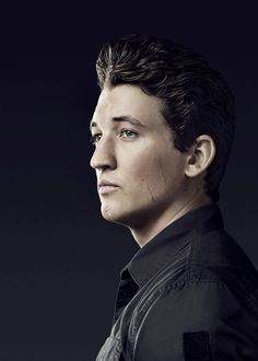 An amazing actor. He makes the best choices and immerses himself. Respected and perhaps underrated. I willingly (will) see any movie he's in. Peter Divergent, Divergent Funny, Divergent Series, Divergent Fandom, Hot Actors, Actors & Actresses, Pretty Men, Beautiful Men, Allegiant Movie