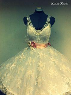 Vestido de noiva curto vintage em renda