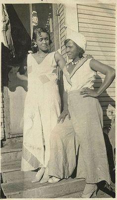 African American Clothing, American Apparel, 1930s Fashion, Vintage Fashion, Fashion Fashion, Victorian Fashion, Modest Fashion, Photos Of Dresses, 1940s Woman