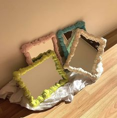 Funky Mirrors, Cool Mirrors, Room Ideas Bedroom, Bedroom Decor, Cerámica Ideas, Pastel Room, Pastel Decor, Spray Foam, Cute Room Decor