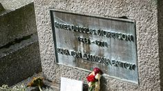 Jim Morrison's headstone at Cimetière du Père Lachaise | Flickr - Photo Sharing!