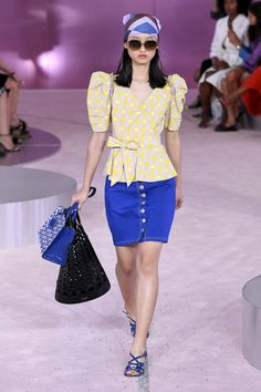 7b6bfcc31d Kate Spade New York Spring 2019 Ready-to-Wear Collection - Vogue https: