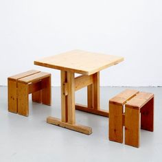 French Table and Stools by Charlotte Perriand for Les Arcs, Set of 3 1 Woodworking Toys, Beginner Woodworking Projects, Woodworking Furniture, Pallet Furniture, Furniture Plans, Furniture Design, Woodworking Classes, Youtube Woodworking, Woodworking Basics