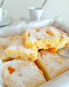 Ruck-Zuck Buttermilchkuchen :: Bella-cooks-and-travels Ruck-Zuck Buttermilchkuchen :: Bella-cooks-and-travels desserts Desserts Français, French Desserts, French Food, How To Cook Ham, Puff Pastry Recipes, Polish Recipes, French Pastries, Mets, Easy Cake Recipes