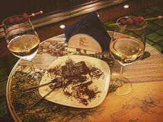 Festeggiando ��. #vietrisulmare#cubana#cake#italy#costieraamalfitana#prosecco#happybirthdaytoyou#instagram#instagood#instalike#like4like#foodie#cakepops#followme#photo#photography#photographer#photoshoot#pictures#picoftheday#pictureoftheday#pic #recentforrecent#travel#love#foodporn http://tipsrazzi.com/ipost/1508732165142312252/?code=BTwF-kcg3U8
