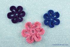 Simple crocheted flower tutorial