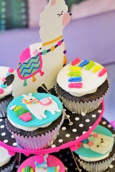 Llama Cupcakes from