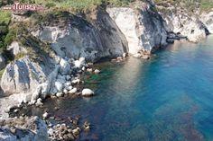 Ponza /  loreanto / Shutterstock.com Tutte le foto: http://www.ilturista.info/ugc/foto_viaggi_vacanze/ponza/lazio/ - #immagini #viaggi #viaggiare