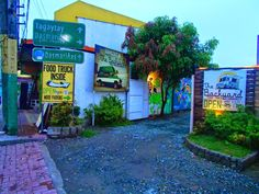 Angelo the Explorer: The Backyard - The Food Truck Community in Dasmarinas Cavite