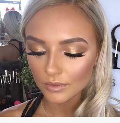 47 Popular Shimmer Summer Makeup Ideas - makeup looks - Make-up Smokey Eye Makeup, Skin Makeup, Golden Eye Makeup, Blonde Makeup, Shimmer Eye Makeup, Makeup On Blondes, Blonde Bridal Makeup, Makeup Lipstick, Sparkly Eye Makeup