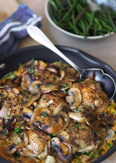 Luxury chicken pan with mushroom – with or without cream – Oppskrifters Food Porn, Healthy Snacks, Healthy Recipes, Danish Food, Small Meals, Happy Foods, I Love Food, I Foods, Chicken Recipes