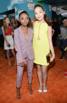 Skai Jackson Photos - Actrss Skai Jackson (L) and dancer Maddie Ziegler attend Nickelodeon's 2016 Kids' Choice Awards at The Forum on March 12, 2016 in Inglewood, California. - Nickelodeon's 2016 Kids' Choice Awards - Red Carpet