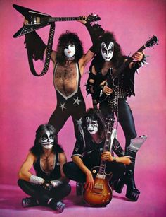 Photo of KISS ~Amsterdam, Holland.May 1976 for fans of Paul Stanley 39082928 Kiss Band, Kiss Rock Bands, Paul Stanley, Gene Simmons, Heavy Rock, Heavy Metal, Kiss Group, Kiss Costume, Kiss Members