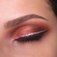 Eyes Make What's Makeup ? What's Makeup ? Generally, what is makeup ? Makeup Geek Swatches, Makeup Geek Eyeshadow, Smokey Eye Makeup, Highlighter Makeup, Contour Makeup, Prom Makeup For Brown Eyes, Blue Makeup, Stunning Eyes, Beautiful