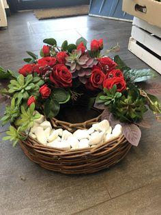 Modern Floral Arrangements, Flower Arrangements, Cemetery Flowers, Church Flowers, Arte Floral, Ikebana, Grapevine Wreath, Diy And Crafts, Bouquet