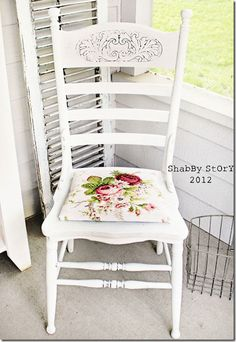 I have chairs like these that I could restyle for this look