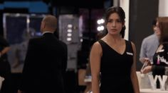 """The absolute best part of the """"Person of Interest"""" Season 4 premiere was the writers' playful nod to the fan-favorite not-really-romance-but-sort-of dynamic between Amy Acker's Root and Sarah Shahi's Shaw. Best Tv Shows, Favorite Tv Shows, Root And Shaw, Interesting Gif, Amy Acker, Life Tv, American Series, Sarah Shahi, Season Premiere"""