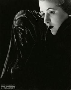 Madame Yevonde - Daphne Straight.   © J. Walter Thompson Company Archives. Advertisements © Unilever.