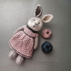 chalklegs' little dots Madeline Tosh, Little Cotton Rabbits, Friend Outfits, Doll Maker, Handmade Toys, Baby Knitting, Doll Clothes, Teddy Bear, Dolls