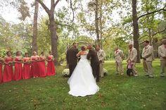 Pai interrompeu casamento da filha para que padrasto dela também pudesse levá-la ao altar