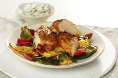 Craig's Magic Dust Chicken Breast med grillgrønnsaker og tzatziki. Sunn og mager grillmat.