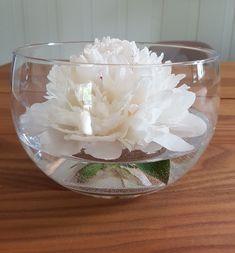 Peon i vase med bukett tips, og lengre levetid. Forslag, Ranunculus, Hula, Girly, Vase, Tips, Home Decor, Alternative, Women's