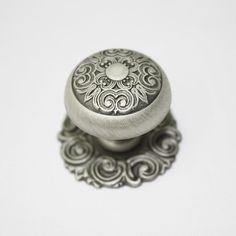Exceptionnel Antique Pewter Furniture Door Drawer Pulls Kitchen Cabinet Handle And Knob.
