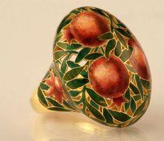 Russian jeweler Ilgiz Fazulzyanov - enamel pomegranate gold ring