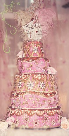 Marie Antoinette Inspired Pink Wedding Cake on We Heart It Beautiful Wedding Cakes, Gorgeous Cakes, Pretty Cakes, Amazing Cakes, Marie Antoinette, Decoration Shabby, Platinum Wedding, Take The Cake, Fancy Cakes