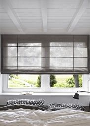 Puur design - Puur textiel in strak design, dat zijn de Luxaflex® Roman Shades. Home Living Room, Home Bedroom, Style At Home, Brown House, Shades Blinds, Love Your Home, Interior Decorating, Interior Design, Curtains With Blinds