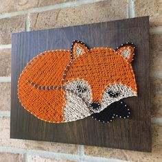 unique home accents String Art - Fox Sleeping - Woodland Nursery - Unique Accents Fox Nursery, Woodland Nursery, Nursery Art, Nail String Art, String Crafts, Art Fox, Fox Crafts, Fox Painting, Fox Decor