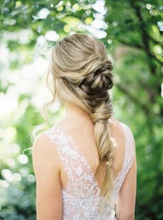 This Bride's Hair Is Everything | Photography: Rebecca Hollis