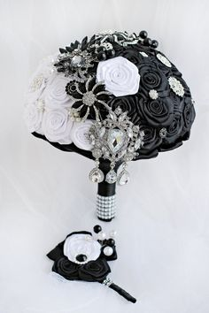 SALE Yin Yang Brooch Bouquet Black Wedding by JewelryBouquet