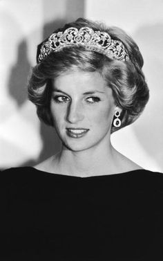 Princess Diana  at a state dinner in Canberra, November 1985.
