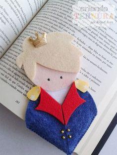Marca página - pequeno príncipe. criando ternura. feltro. felt. craft. handmade. artesanato. caseado. little prince. pequeno príncipe. le petit prince. Little Prince Party, The Little Prince, Diy Bookmarks, Crochet Bookmarks, Felt Crafts Diy, Felt Diy, Art For Kids, Crafts For Kids, Felt Bookmark