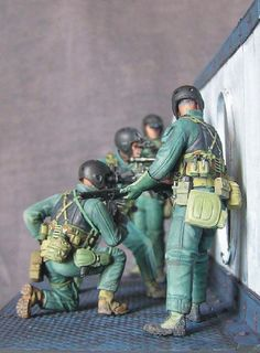 Dioramas and Vignettes: SEAL team 8, photo #5