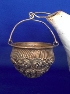 Sterling-Tea-Strainer-Basket-teapot-Spout-Holder-Ornate